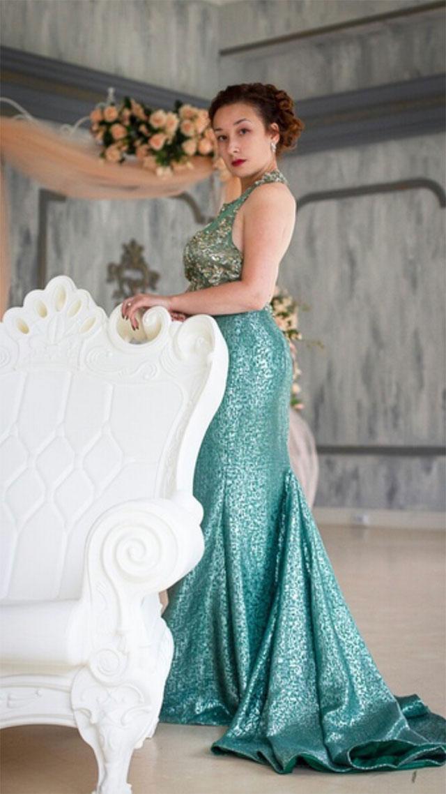 Halter Green Embroidery Evening Dress