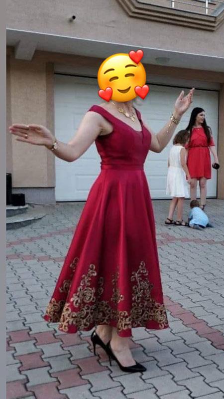 Sleeveless V Cut Burgundy Prom Dress