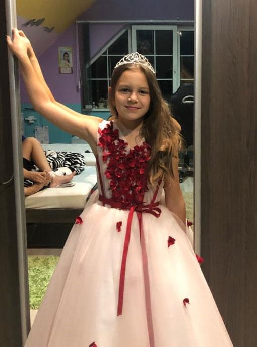 Sleeveless Flower Girl Dress in Red With Ball Gown Skirt