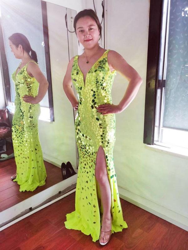 Gorgeous Green V-Cut High Slit Sparkle Evening Ball Dress